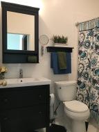2611 Adams Mill bathroom
